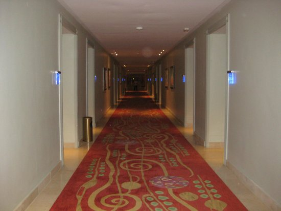 Iberostar Grand Hotel Bavaro: Hall ways of 2 nd floor