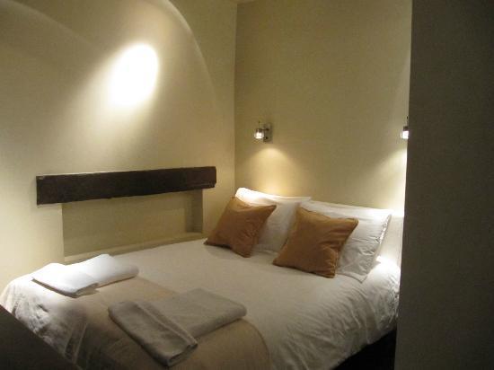 Hotel de la Place des Vosges : camera 40 (singola letto 1 e 1/2 piazza)