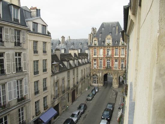 Hotel de la Place des Vosges : camera 41 dalla finestra verso Place des Vosges
