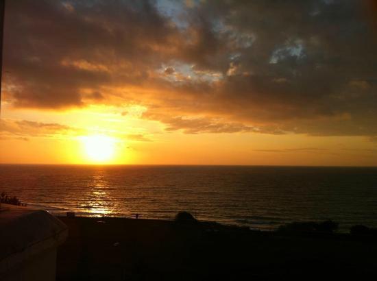 Hotel Riviera by the Sea: Sunrise
