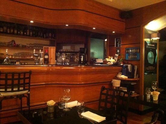 Loga Monaco: bar
