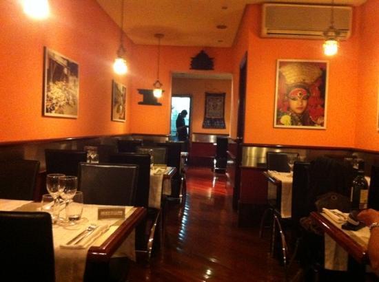 annapurna restaurant: comedor