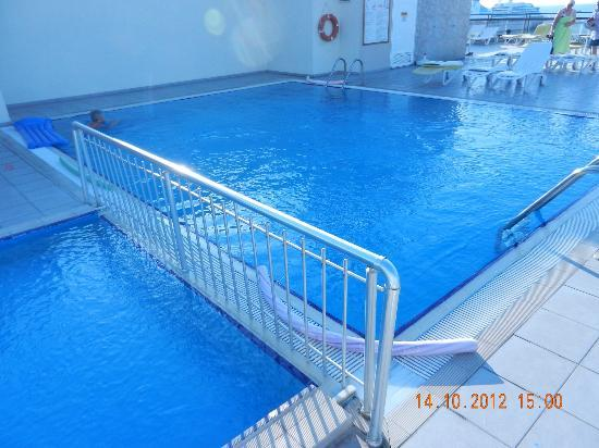Derici Hotel: Rooftop Swimming Pool