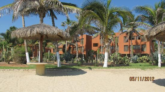 Holiday Inn Resort Los Cabos All-Inclusive: one of the buildings