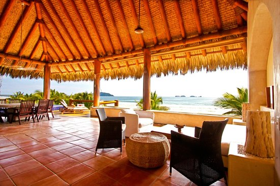 Las Palmas Beachfront Villas: Luxury Suite