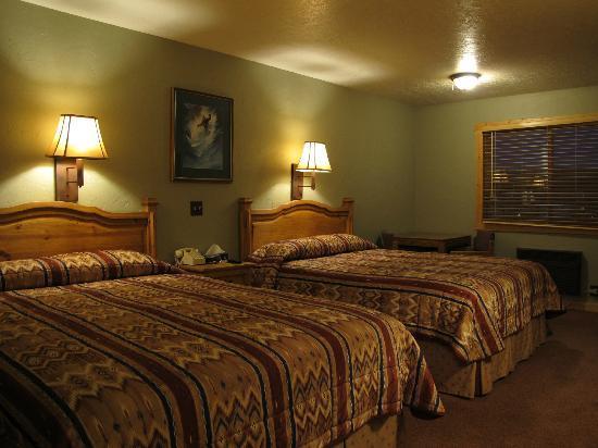 Summit Inn: the bedroom