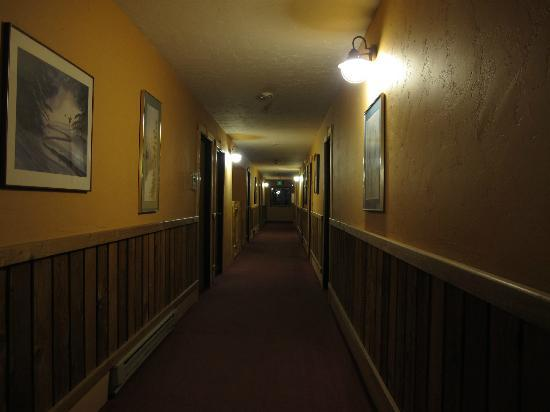 Summit Inn: the corridor