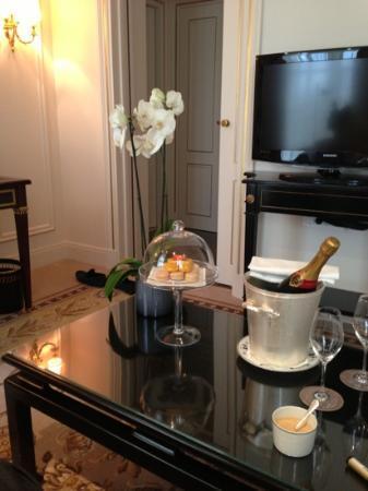 Shangri-La Hotel Paris: deluxe Suite 209