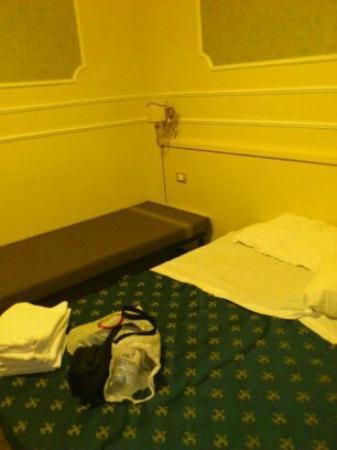 Cesar Palace Guesthouse: habitación 