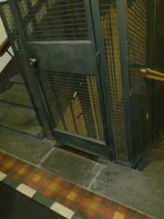 Cesar Palace Guesthouse: montacargas o ascensor
