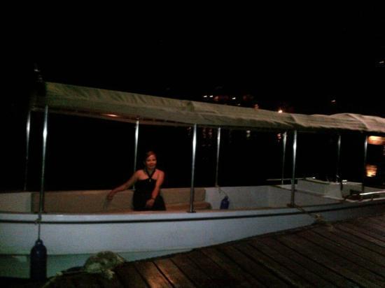 Pearl Farm Beach Resort: Malipano Island Ferry Boat