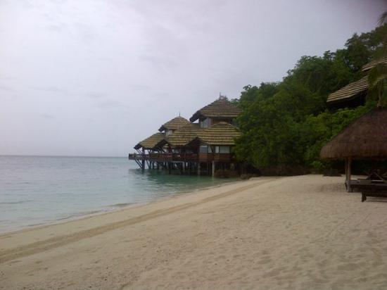 Pearl Farm Beach Resort: Malipano Villas private beach area