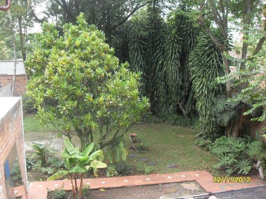Hostal Poblado Park: inner yard