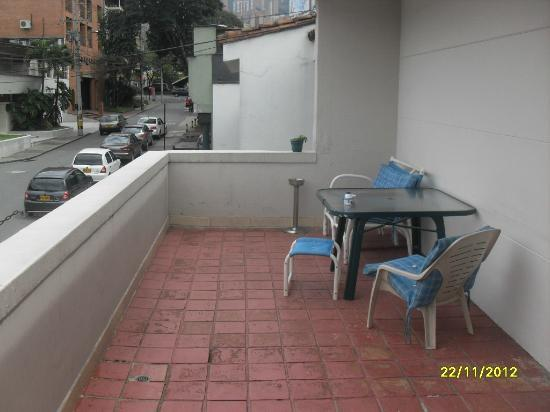 Hostal Poblado Park: balcony near kitchen
