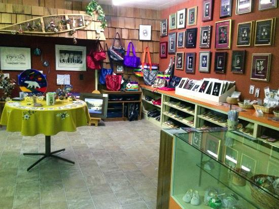 Snowshoe Inn (NWT) Ltd: A portion of the gift shop featuring losts of local handicrafts and art.