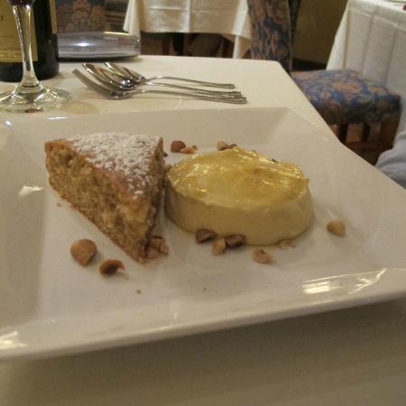 Ristorante Caterina de' Medici: Hazelnut cake with cold zabaione