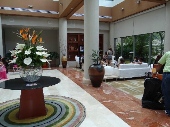 Doubletree by Hilton San Juan: Lobby area