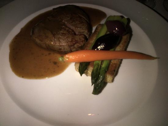 Escoffier Restaurant: Beef tenderloin