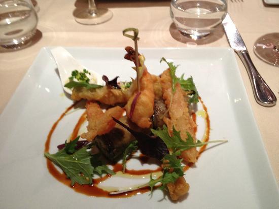 L'Auberge: Tempura shrimp and veggies.