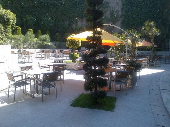 Hotel Camino Real Santa Fe Mexico: Outdoor Patio at BICE Restaurant
