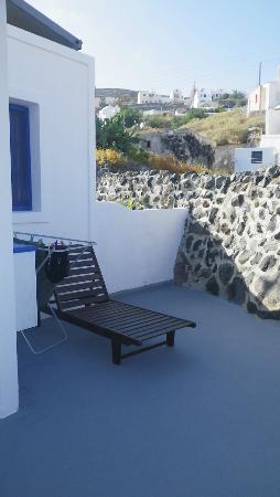 Georgis Apartments: Our apartment outdoor area