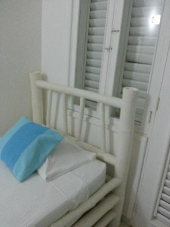 Hotel Acaya : cheap furniture