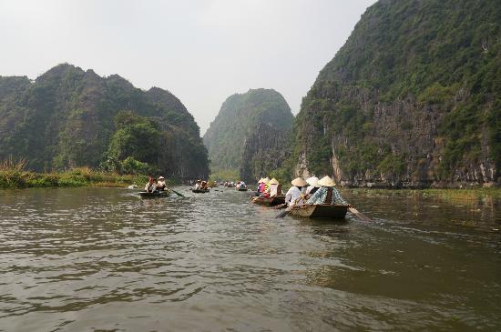 Tam Coc Tours: River Trip