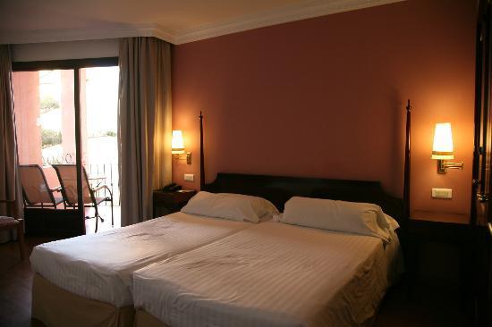 Hotel Fuerte Marbella: 部屋