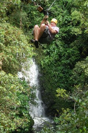 Canopy Adventure Barva Volcano: Fly over our waterfall!!