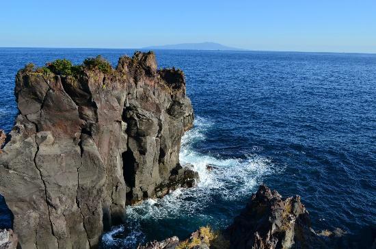 城ヶ崎海岸の岩場