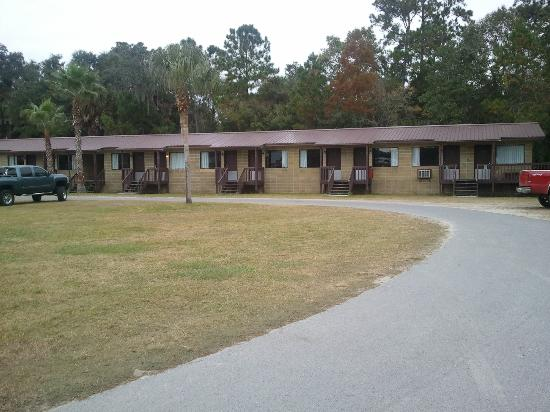 Shell Island Fish Camp: The motel building.