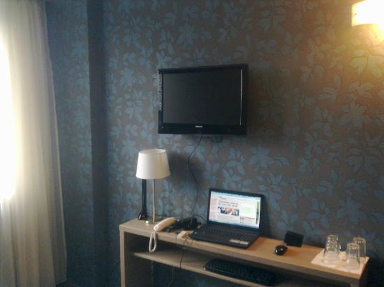 Vitta Hotel Superior Budapest: Tv