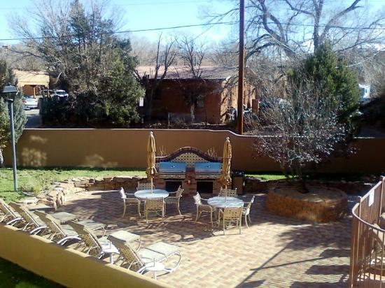 Villas de Santa Fe: Pretty barbecue/picnic area