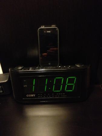 Dreams Huatulco Resort & Spa: Radio en la habitación
