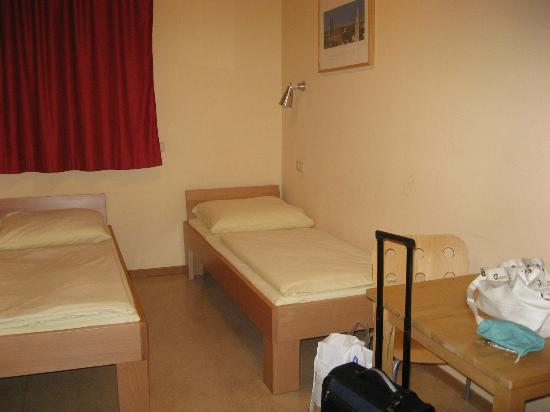 Haus International: Room