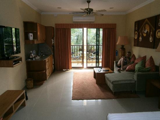 Baan Souy: nochmal der Wohnbereich mit Kochgelegenheit