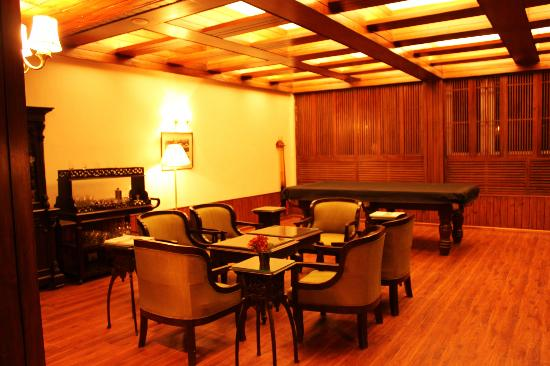 Sinclairs Darjeeling: Part of the lobby - pool table