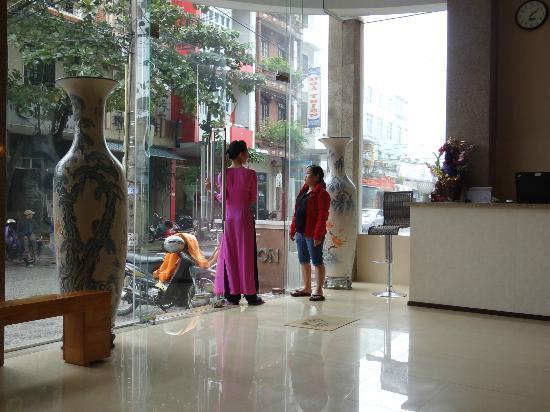 Tigon Premium Hotel: goed hotel mooie lobby