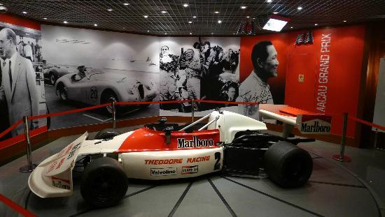 Great displays at the Grand Prix Museum (d)