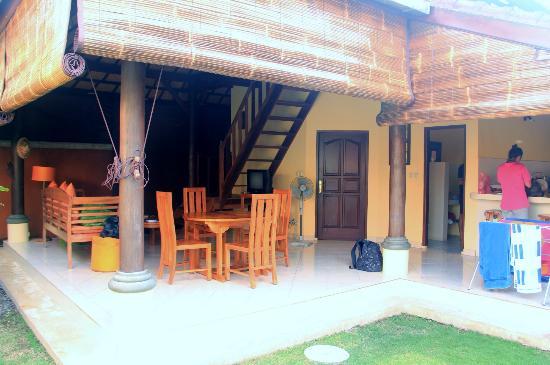Bali Alizee Villas: Espace commun d'un bungalow