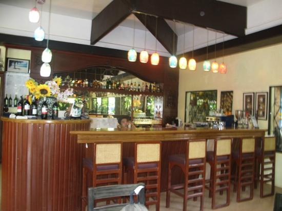 Precious Garden Samal: dinning/ bar