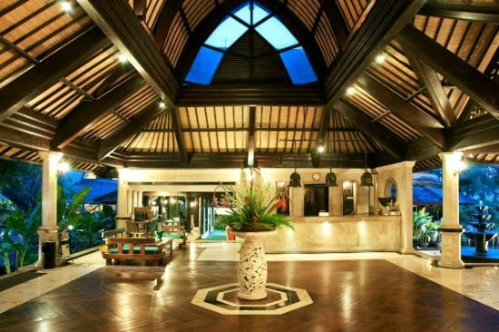 Hotel Vila Lumbung: The Hotel Lobby