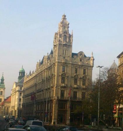 Buddha-Bar Hotel Budapest Klotild Palace: Storhertiginnan Klotilds forna palats