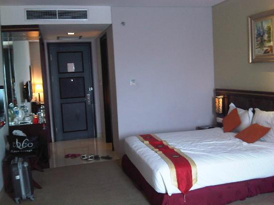 Gino Feruci Kebonjati Bandung: Adequate Room