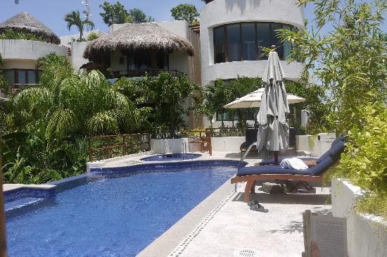 Porto Playa Condo Hotel & Beachclub: poolside