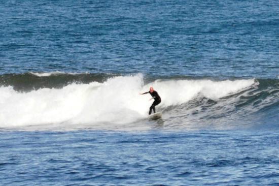 Victoria Harbour: Wonderful surfing beach near to Dunbar.