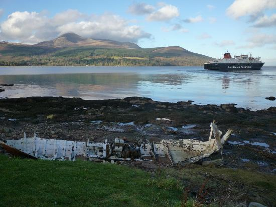 Auchrannie Resort: ferry departing Brodick with Goat Fell in background