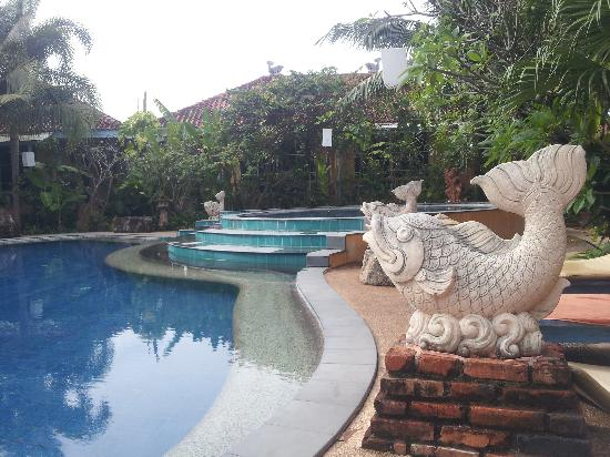 Ao Chalong Villa & Spa: brill pool