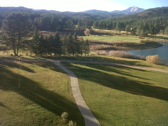 Inn of the Mountain Gods Resort & Casino: balcony view of grounds and golf course