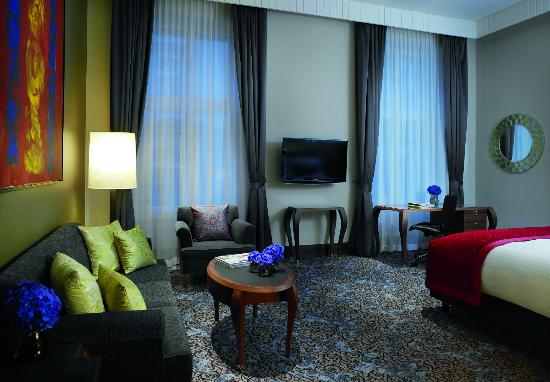The Ritz-Carlton, Vienna: Discover our spacious Junior Suites.